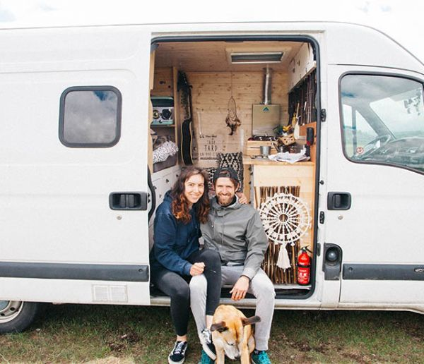Vivre en couple dans un van : rêve ou tue-l'amour ?