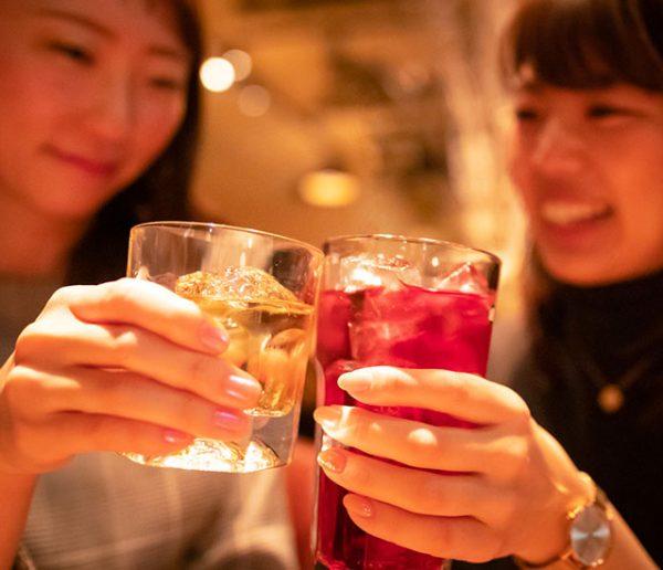 Au Japon, le dernier chic : boire un cocktail dans une déchetterie !