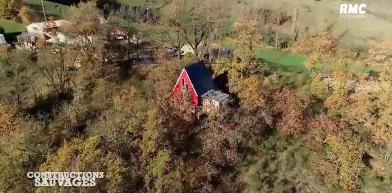 Ils construisent des cabanes hallucinantes dans toute la France et on adore