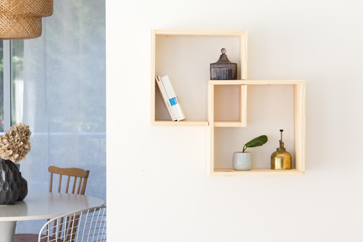 tutoriel construire une tag re en bois pas ch re avec 2 cubes embo t s. Black Bedroom Furniture Sets. Home Design Ideas