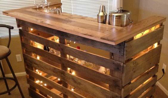 Upcycly meuble les bureaux à partir de palettes de bois et de récup