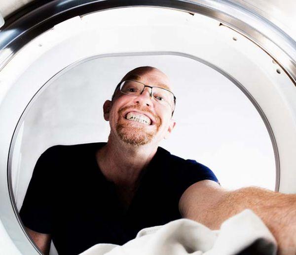 Tout ce que vous pouvez faire avec l'eau de votre sèche-linge pour faire des économies