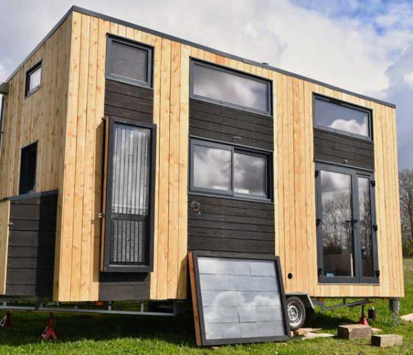 Ils vont tester la vie low-tech dans une tiny house pendant 6 mois