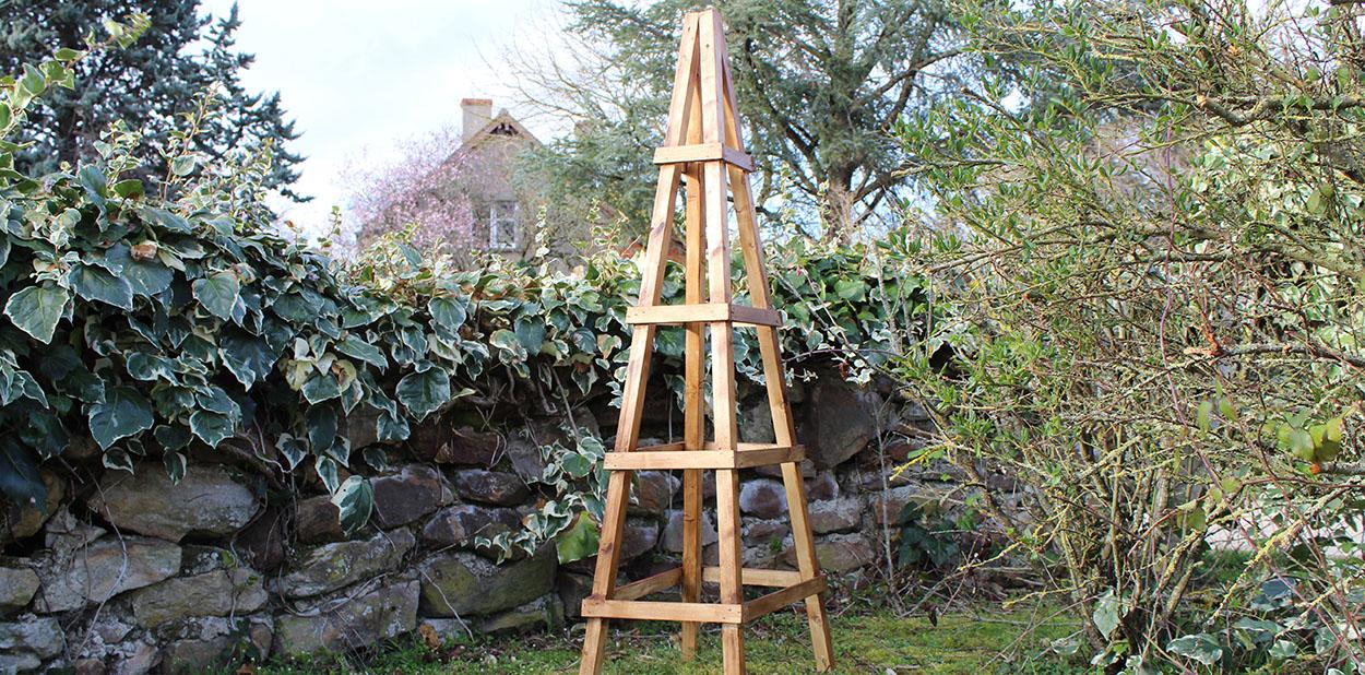 tutoriel diy un treillis en bois pour vos plantes grimpantes. Black Bedroom Furniture Sets. Home Design Ideas