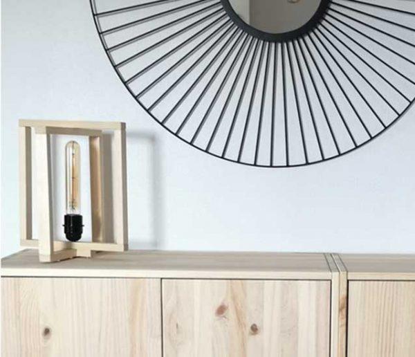 Tuto : Fabriquez une lampe à poser originale, juste avec un tasseau en bois
