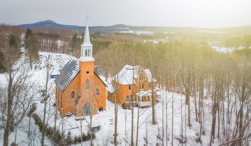 Eglise transformée en maison Québec extérieur