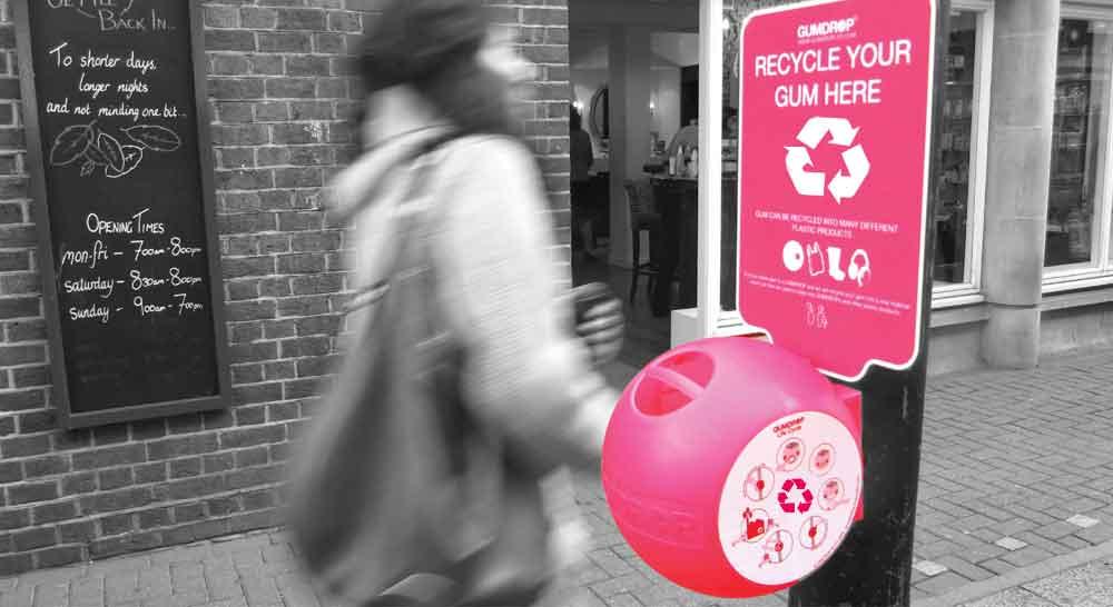Cette entreprise recycle les chewing-gums usagés et fait des choses incroyables avec