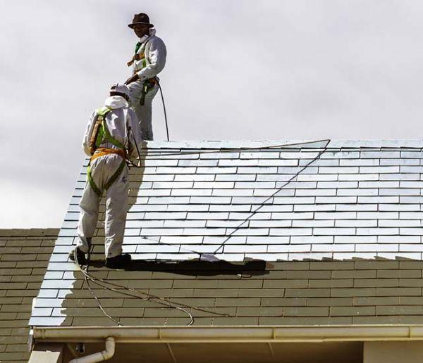 Devriez-vous repeindre le toit de votre maison en blanc pour avoir moins chaud ?