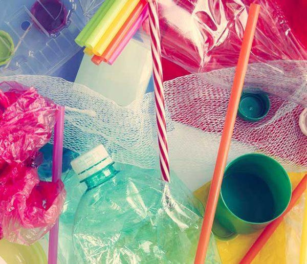 Voici tous les objets en plastique que vous ne pourrez plus acheter en 2021