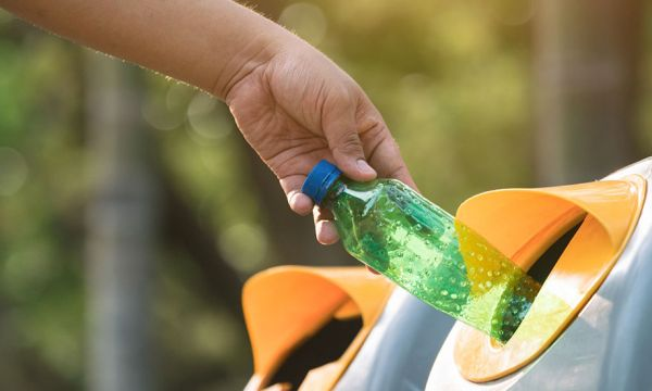 La consigne pour les bouteilles en plastique va être lancée en France