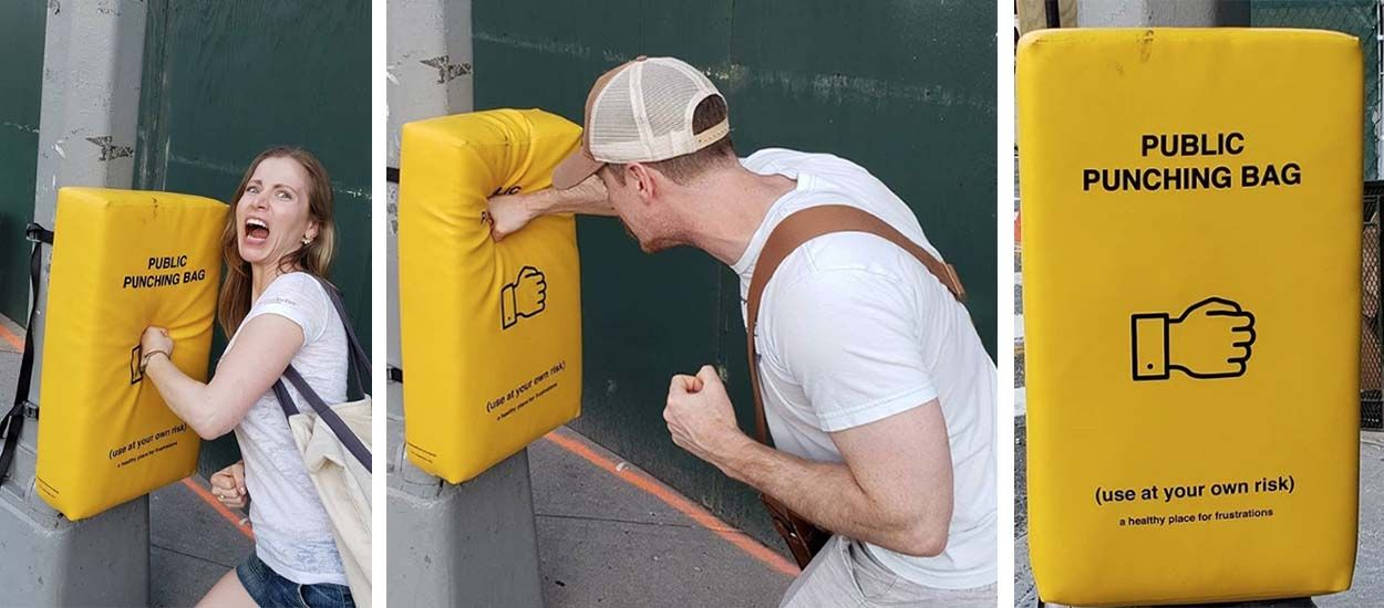 À New-York, la ville a installé des sacs de frappe pour détendre les passants !