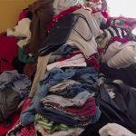 Tas de vêtements l'art du rangement marie kondo netflix