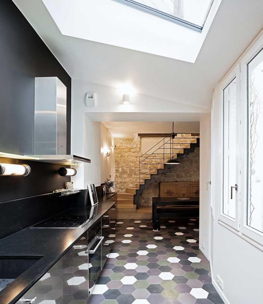 Triplex rénové Alia Bengana + Capucine de Cointet architectes cuisine 2