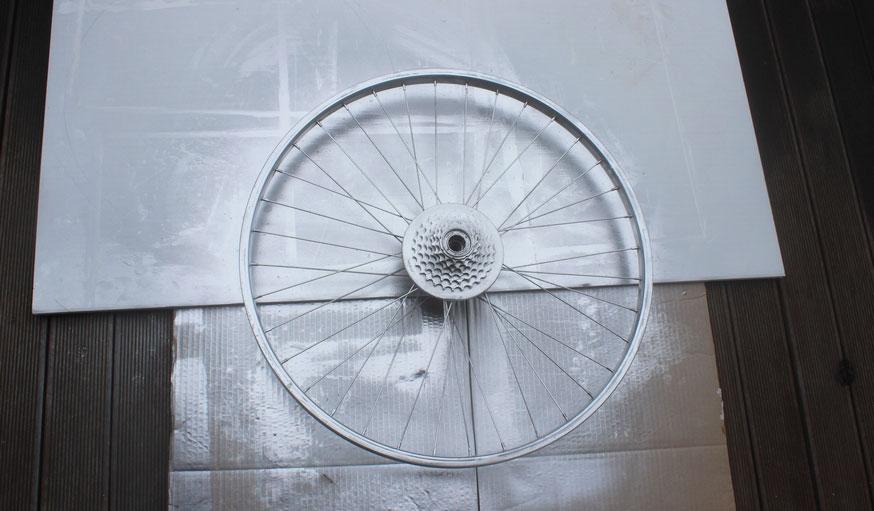 Tuto fabriquer une horloge avec une roue de vélo 3