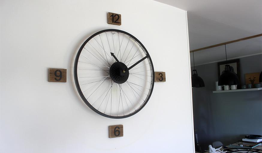 Tuto fabriquer une horloge avec une roue de velo resultat