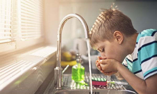 Du tritium dans l'eau potable : faut-il s'inquiéter ?