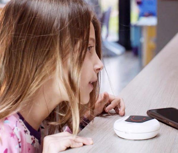 Cet assistant connecté français est spécialement conçu pour gérer le quotidien en famille