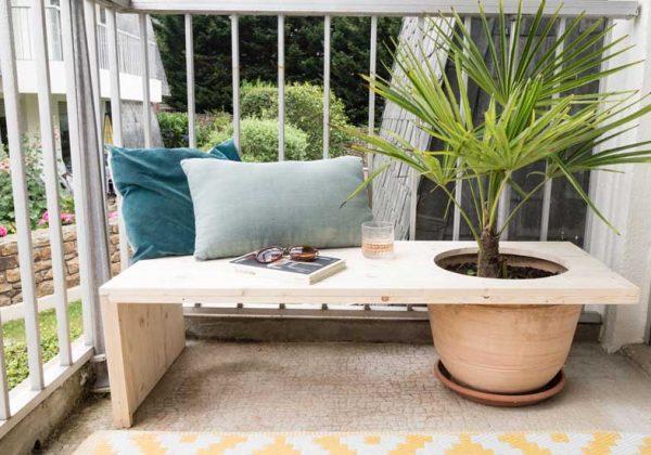 Fabriquez un banc d\'extérieur avec un pot pour y planter un ...