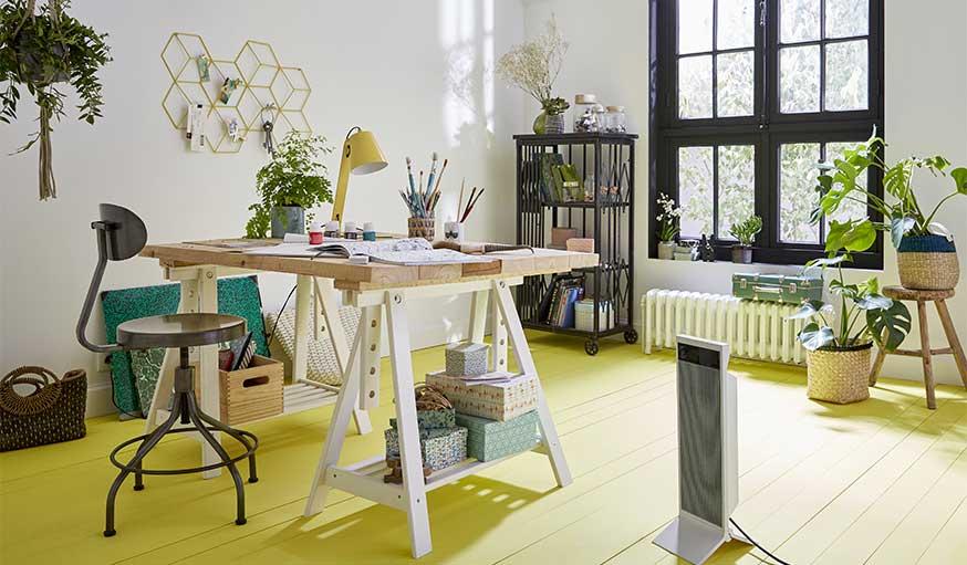 parquet jaune dans un bureau Castorama