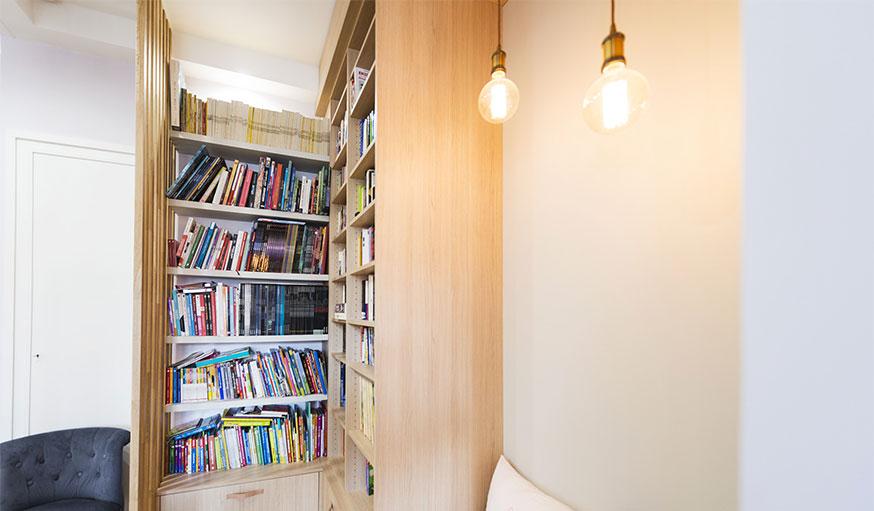 coin lecture bibliothèque Thomas Tutolo vue sur les livres