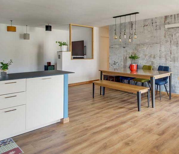 8 idées pour créer différents espaces à vivre dans une grande pièce