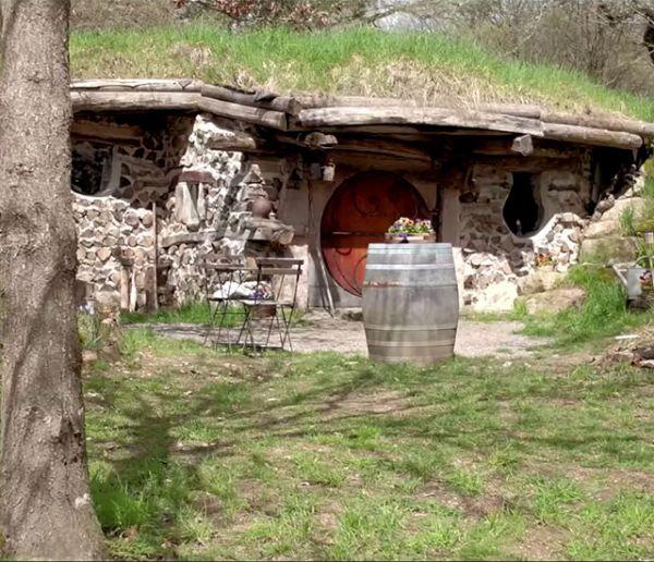 En Bourgogne, vivez comme des hobbits dans un village Seigneur des Anneaux !