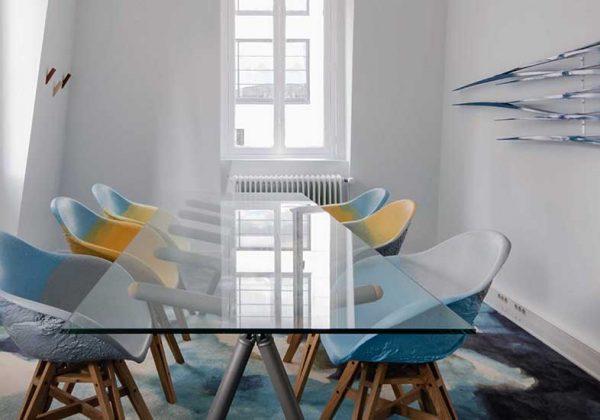 Meuble design : fabriquer du mobilier avec du plastique recyclé