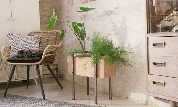Tuto : Fabriquez une jardinière sur pied pour verdir votre intérieur