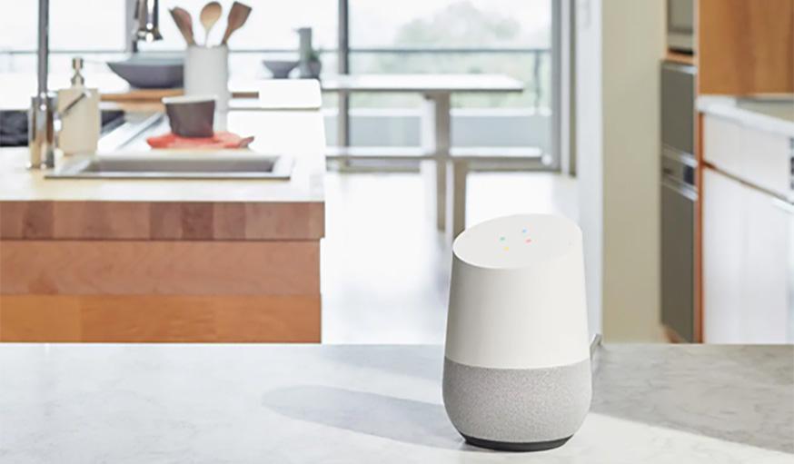 Enceinte Google Home dans la cuisine