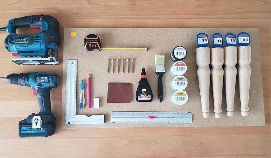 outils pour le tutoriel chaise enfant arc-en-ciel de Fée Maison