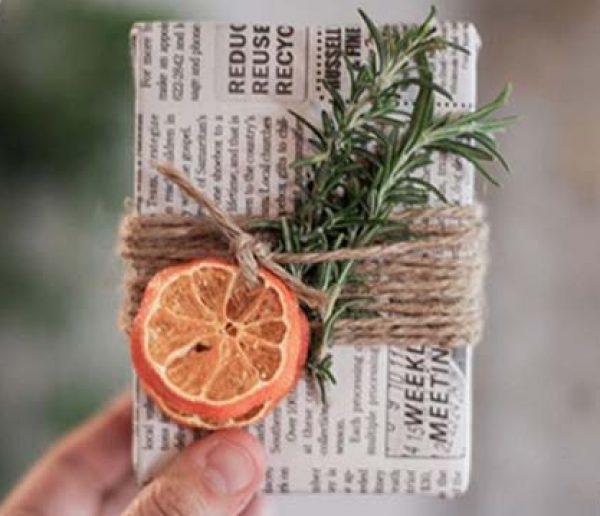 8 idées de papier cadeaux récup' mais jolies !