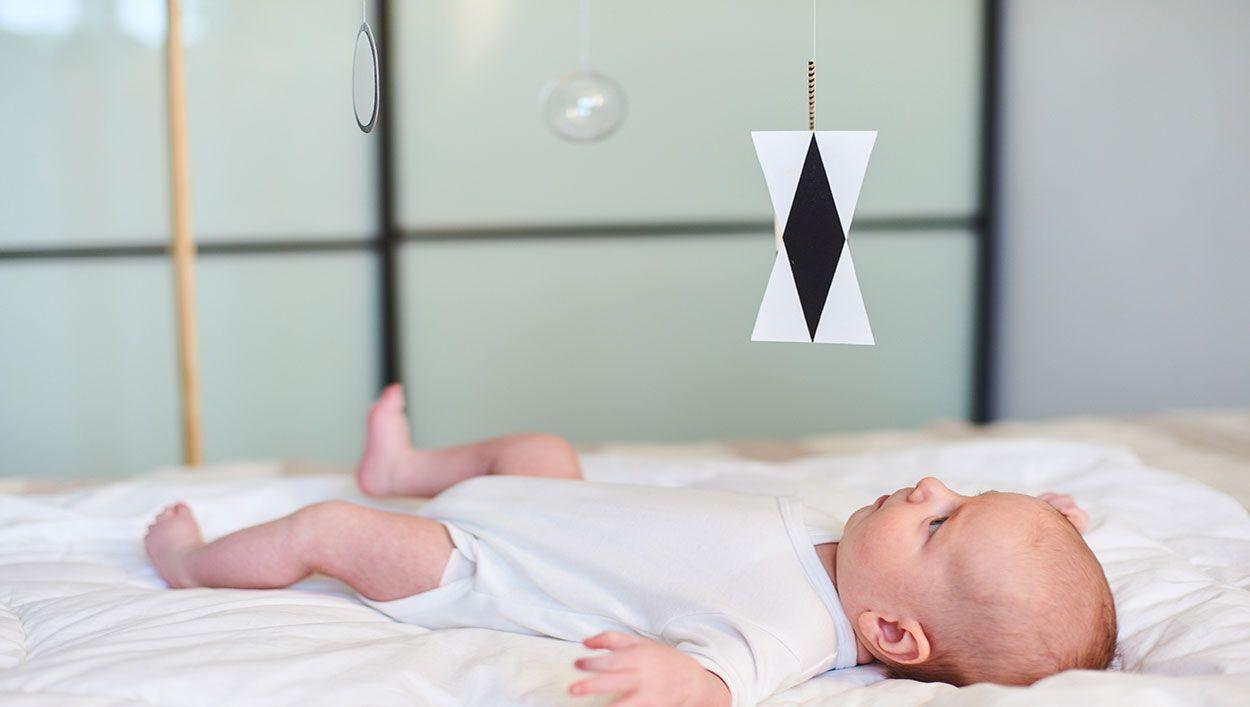 Montessori : quels mobiles choisir pour bébé ?