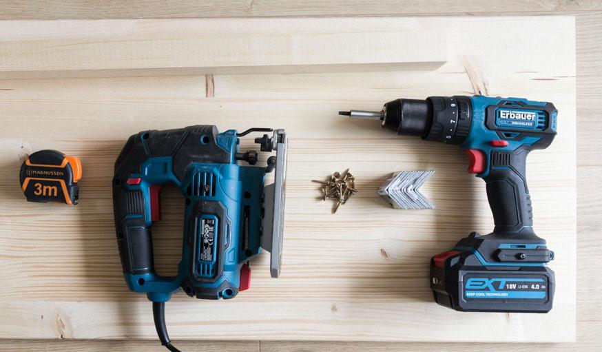 Tutoriel console range-bûches outils et matériaux