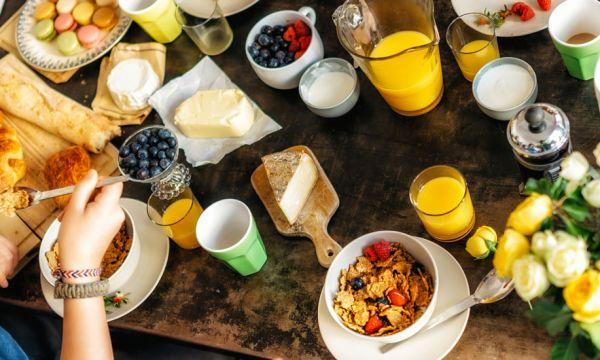 Cette association récupère les petits déjeuners des hôtels pour les donner aux sans-abri