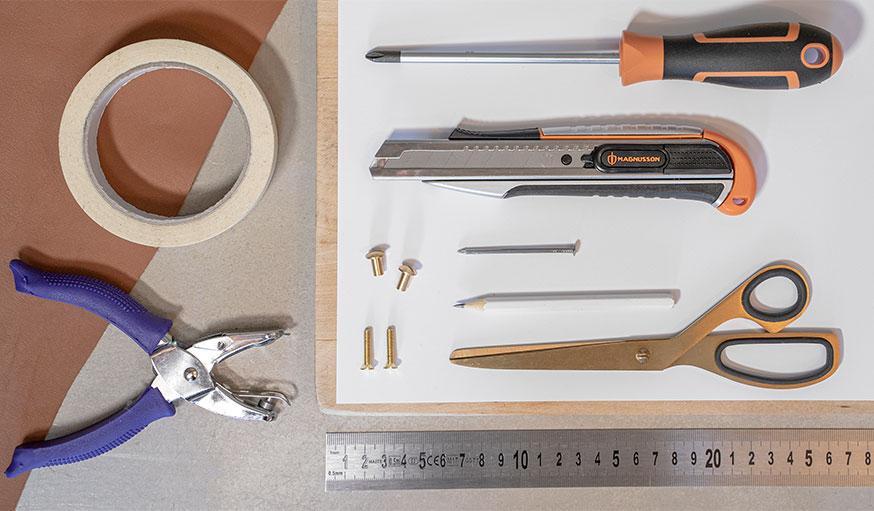 Tutoriel poignée de porte en cuir outils et matériaux