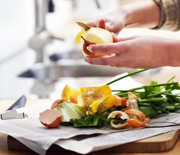 Ménage écolo : 5 astuces avec vos épluchures de fruits et légumes