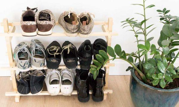 Tuto : Fabriquez très facilement un range-chaussures en tasseaux pratique et efficace