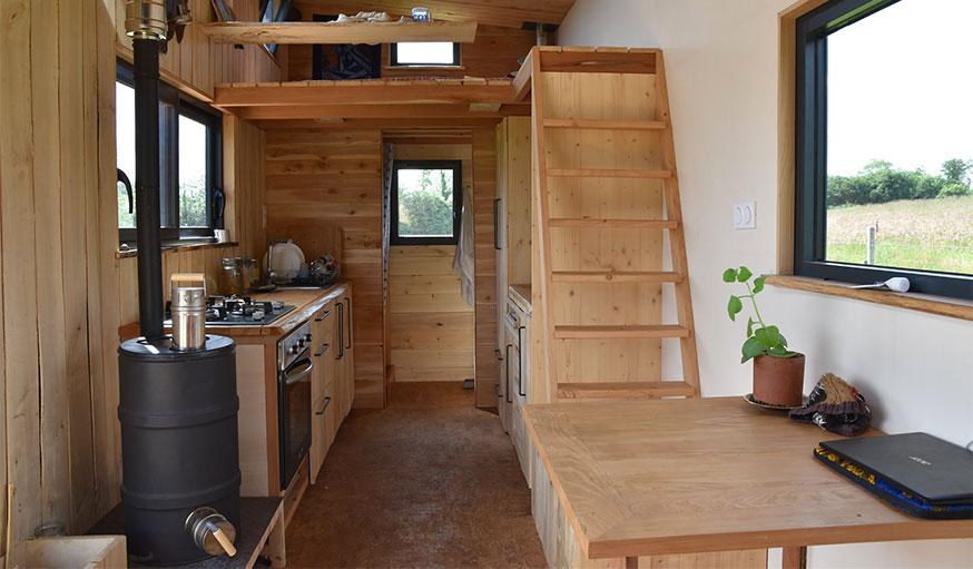 intérieur de la tiny house low-tech