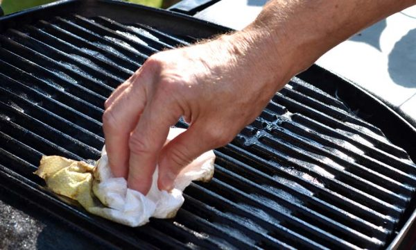 Comment nettoyer facilement son barbecue ?