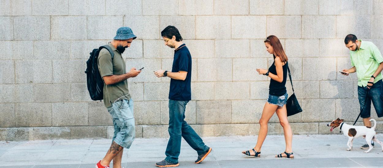 Le design social veut rendre le sourire aux gens dans la rue et les transports