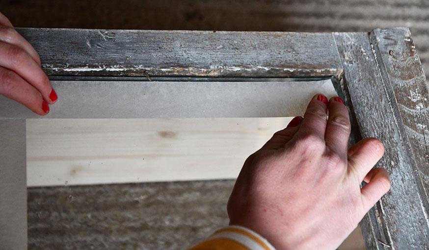 tutoriel fabriquer une vitrine à partir d'une vieille fenêtre étape 15