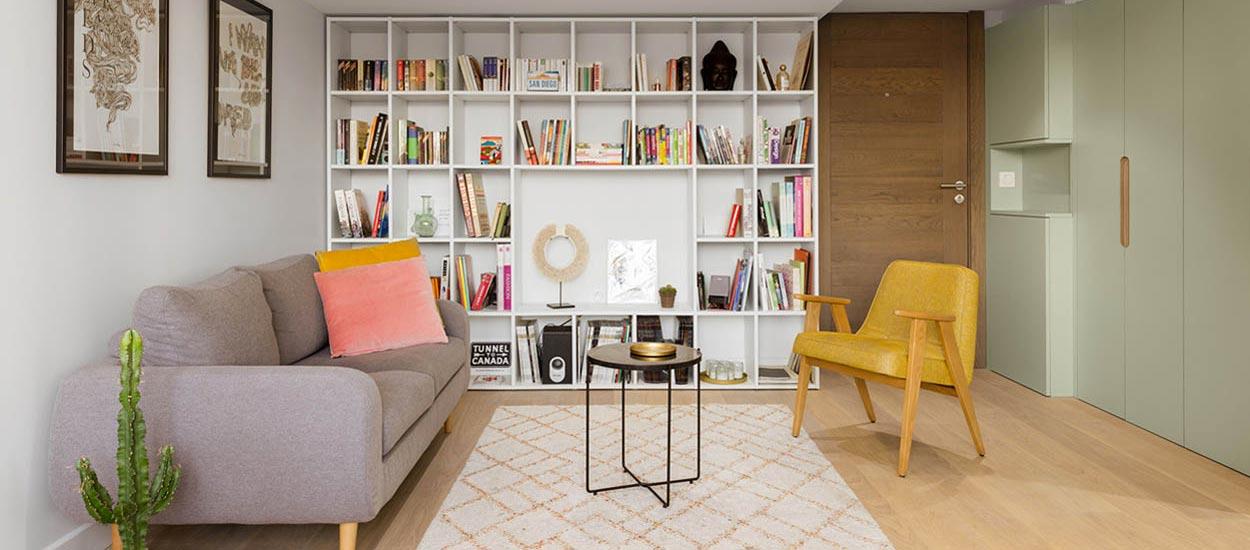 Pour un minimalisme joyeux : un intérieur épuré oui, mais en couleurs