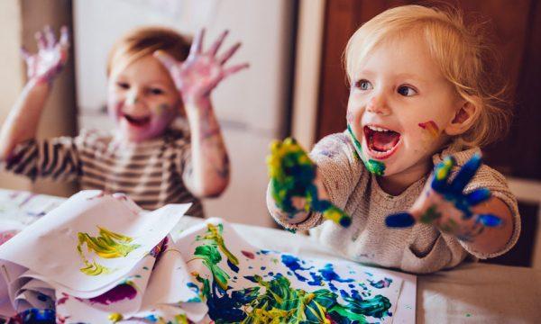 Comment développer la créativité des enfants à la maison ?