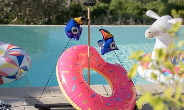 Tuto : Fabriquez un support à bouées pour les ranger après la baignade