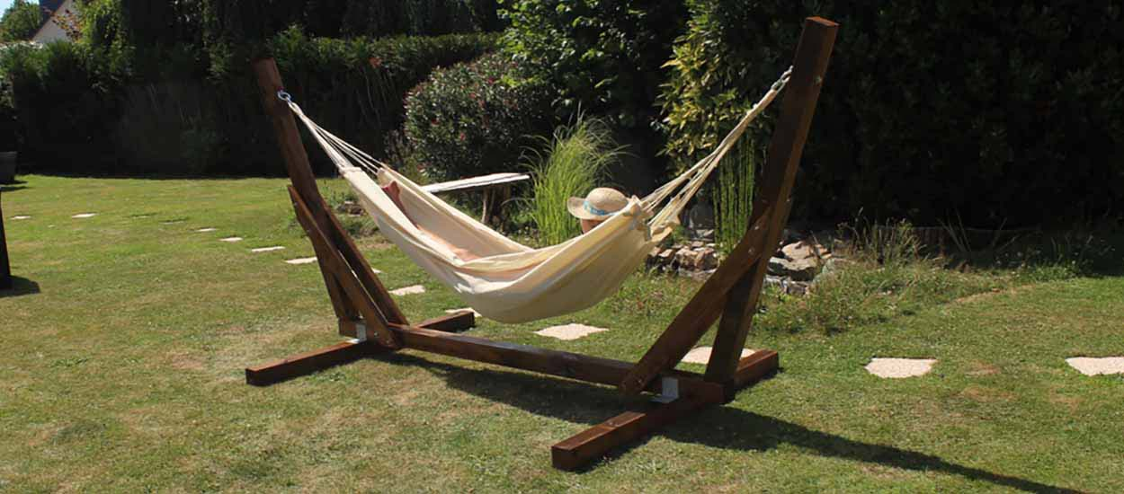 Tuto : Fabriquez un magnifique support de hamac en bois pour seulement 75 euros