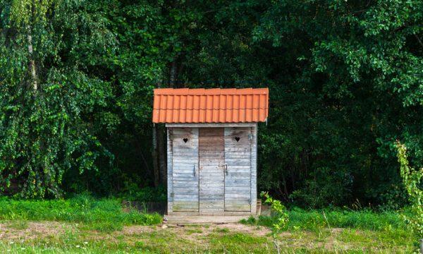 Comment installer des toilettes sèches dans son jardin ?