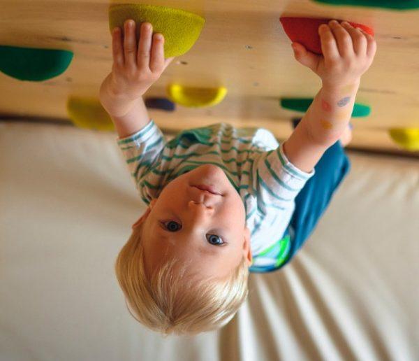 Comment construire un mur d'escalade pour vos enfants en toute sécurité ?