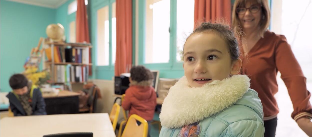 Élèves, maîtresse, parents et employés de Castorama réunis pour rénover une salle de classe !