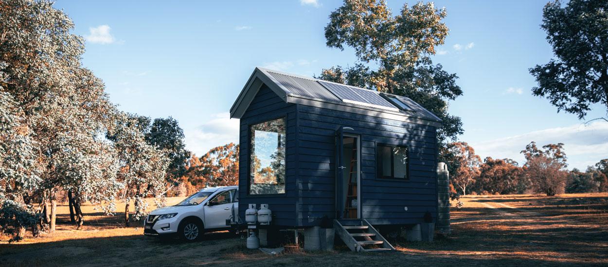 Un couple de néo-ruraux prié de quitter leur tiny house par le maire de leur village