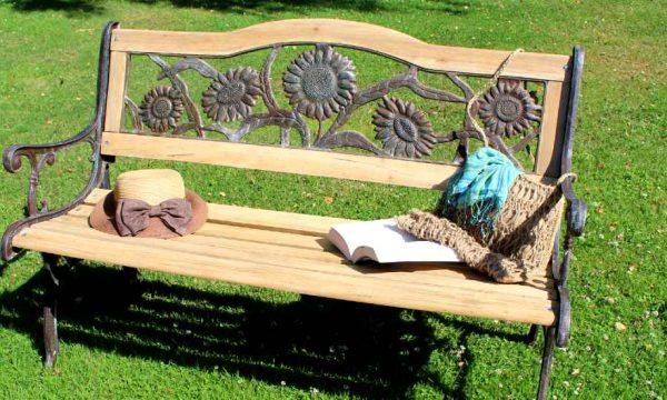 Tuto : Restaurez facilement un banc de jardin en bois